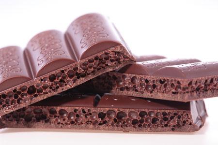 Подросток хотел украсть из магазина 20 плиток шоколада