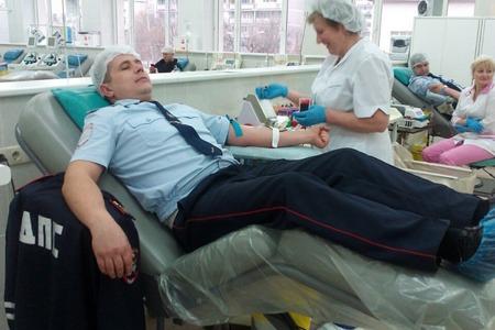 Сотрудники ОБ ДПС ГИБДД Зеленоградского округа  приняли участие в акции «Донор»