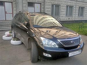 Самым отъявленным «Гением парковки» выбран водитель «Лексуса»