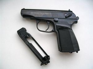 Хулигану дали условный срок за обстрел машин и квартир