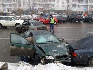 В аварии на Логвиненко серьезно пострадала женщина