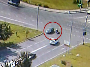 Автомобилист-нарушитель «уронил» скутериста у Крюковской эстакады