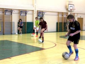 Спортшкола «Спутник» набирает футбольную команду из девочек-подростков