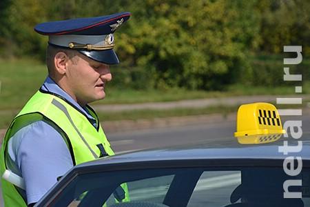 На Панфиловском проспекте задержали лишенного прав пьяного таксиста