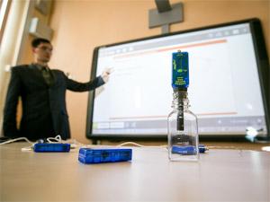 В школе №1353 оборудовали лингафонные классы и биолабораторию