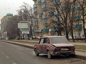 Пассажирка авто пострадала при столкновении со стоящей машиной