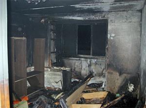 Пьяный мужчина дважды за ночь поджег свою квартиру