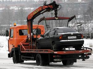 Эвакуатор освобождает от машин Панфиловский проспект