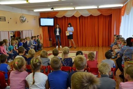 Сотрудники ГИБДД Зеленограда побывали в гостях в детском саду