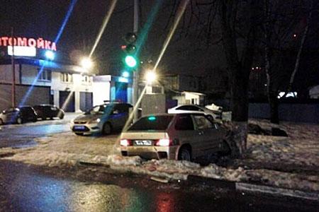 Полицейские остановили пьяного гонщика после стрельбы по колесам