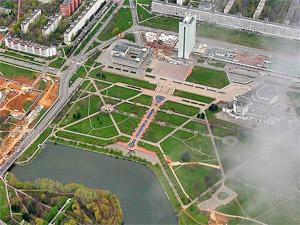 Парашютисты прыгнут в Большой городской пруд в День России
