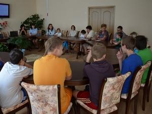 В преддверии Международного дня защиты детей инспекторы ГИБДД Зеленограда встретились с воспитанниками детского дома