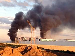 В Ржавках загорелся ТРЦ «Зеленопарк»