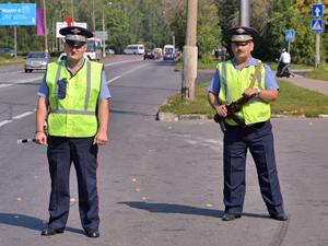 Автоинспекторы задержали водителя грузовика с поддельными правами