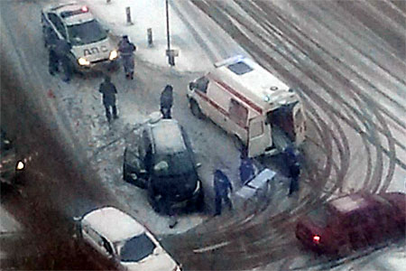 Пассажир такси пострадал в аварии у ТЦ «Столица» в 14-м микрорайоне