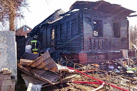 Возле 23-го микрорайона сгорел второй частный дом за четыре месяца