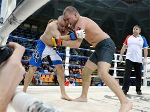 Зеленоградец выиграл бой на турнире по самбо среди силовиков