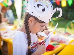 Детский праздник, картонный фестиваль, «Мадагаскар шоу», беговелогонка, «Золотой Овал»