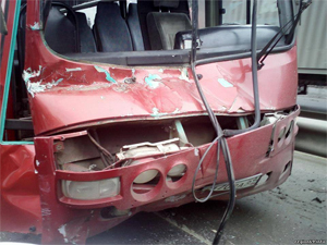 Автобус с отказавшими тормозами протаранил фуру