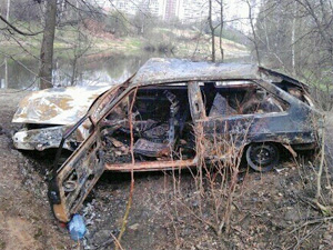 На сгоревшей машине пропавшего водителя нашли следы ДТП