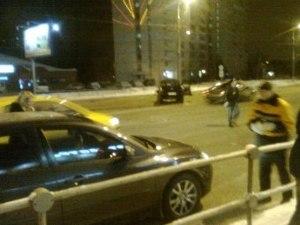 На Панфиловском проспекте перевернулся джип