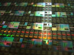 «Микрон» будет изготавливать чипы для Национальной системы платежных карт