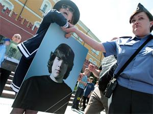 Полиция разогнала акцию в память об умершем призывнике