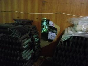 Со складов на Алабушевской улице похитили продукцию на несколько миллионов