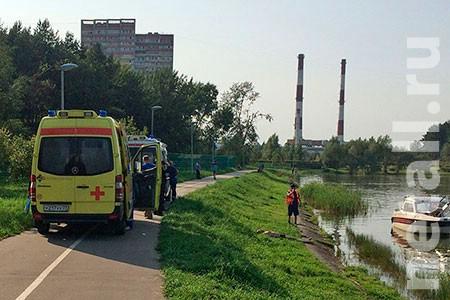 Возере вЗеленограде едва не потонул мужчина
