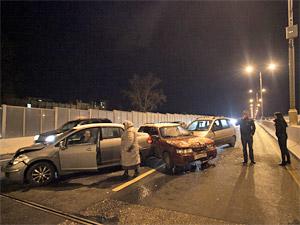 За вечер воскресенья в аварии на дорогах Зеленограда попали полсотни машин