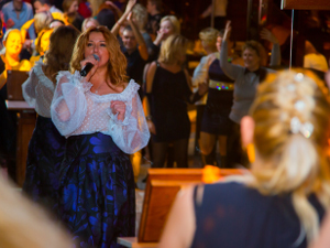 Как зеленоградцы зажгли на вечеринке «Стиляги» и концерте Алёны Апиной