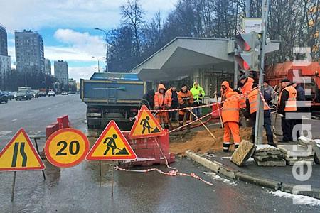В префектуре назвали вероятную причину провала грунта под пешеходом у «Дома быта»