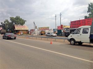 Рынок в Юрлово отгородили отбойником после просьб зеленоградцев