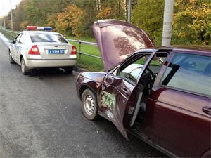 Панфиловский проспект встал из-за аварии с участием четырех машин и автобуса