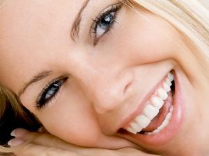 «Карат-Дент» — здоровые зубы и белоснежная улыбка от профессионалов