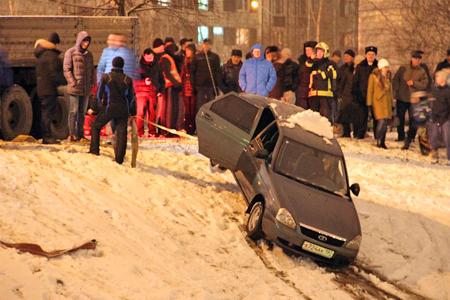 В Михайловском пруду утонул автомобиль