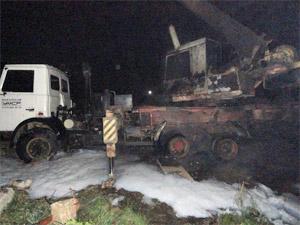 У Кутузовского шоссе подожгли автокран