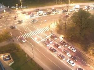 Из-за запрещенного маневра на Панфиловском проспекте разбились два автомобиля