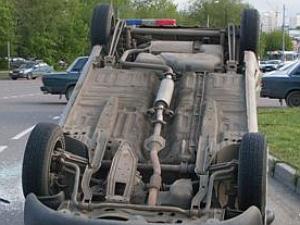 Угонщик перевернулся на краденной машине