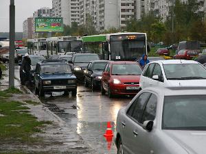 Авария на полчаса заблокировала движение у Андреевки