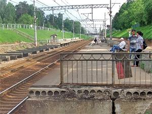 Платформы в поселке Поварово оборудуют турникетами к 2018 году