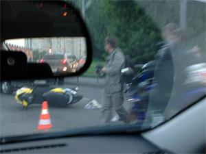 Нетрезвый скутерист пострадал на Панфиловском проспекте