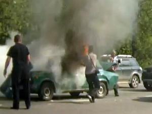 «Жигули» загорелись после столкновения с внедорожником и грузовиком