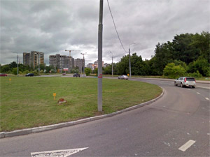На перекрестке у 23-го микрорайона пострадал мотоциклист