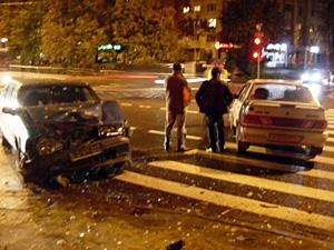 На аварийном перекрестке разбились еще две машины