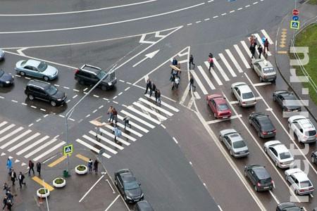 На пешеходном переходе у «Флейты» сбили девушку-пешехода