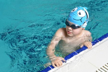 В детской школе плавания «Быстрый дельфин» открыт новый набор