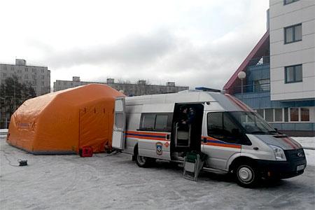 В Зеленограде отработали сценарий спасения людей из провалившейся под землю маршрутки