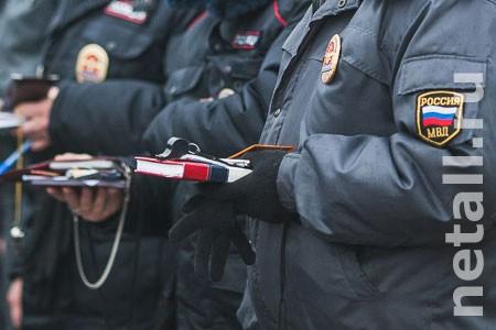 Пьяная женщина порезала ножом двух полицейских в 16-м микрорайоне