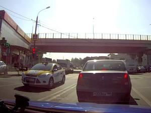Спешащий таксист